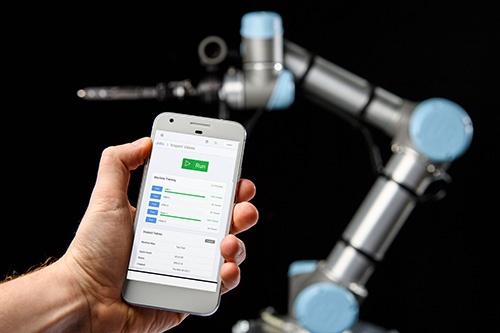 Smart manufacturing - ovládanie robotov a strojov v cloude mobilom