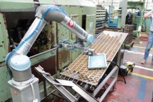 Pracovisko Universal Robots v Slovarme