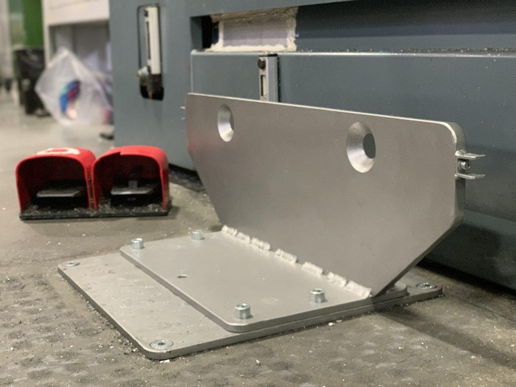 Prípravok pre presné pripojenie robotickej bunky k CNC sústruhu