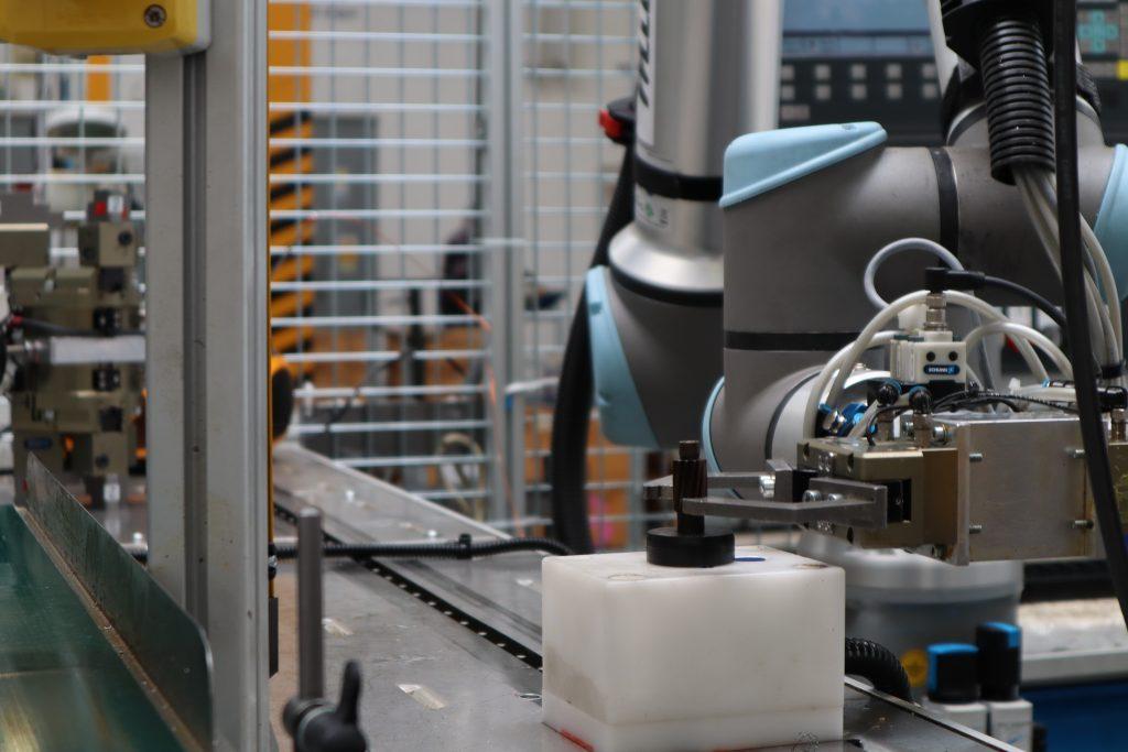 Odoberanie pastorku kolaboratívnym robotom UR10e