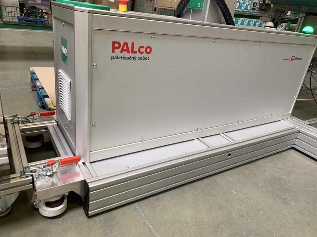 Paletizačný cobot PALco - rýchlospojky a masívne kolečká s protišmykovými nožičkami