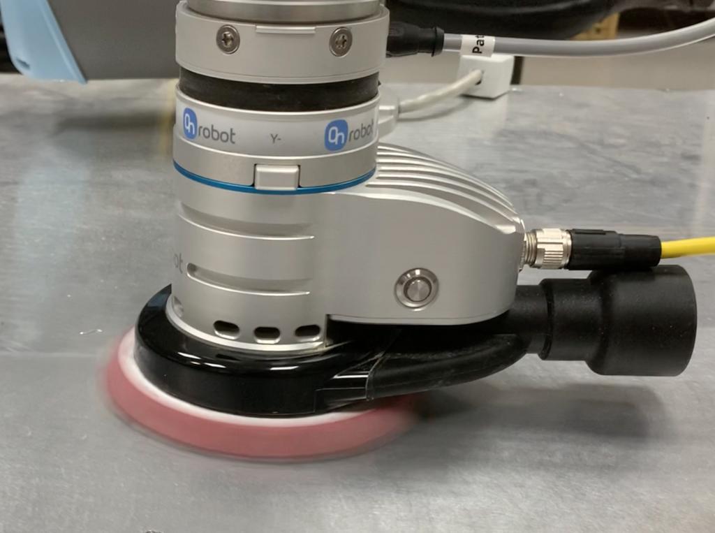 OnRobot Sander - tlačítko na nástroji pre nahrávanie traťových bodov